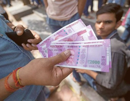 Hording from political party causes growing cash in economy : SBI